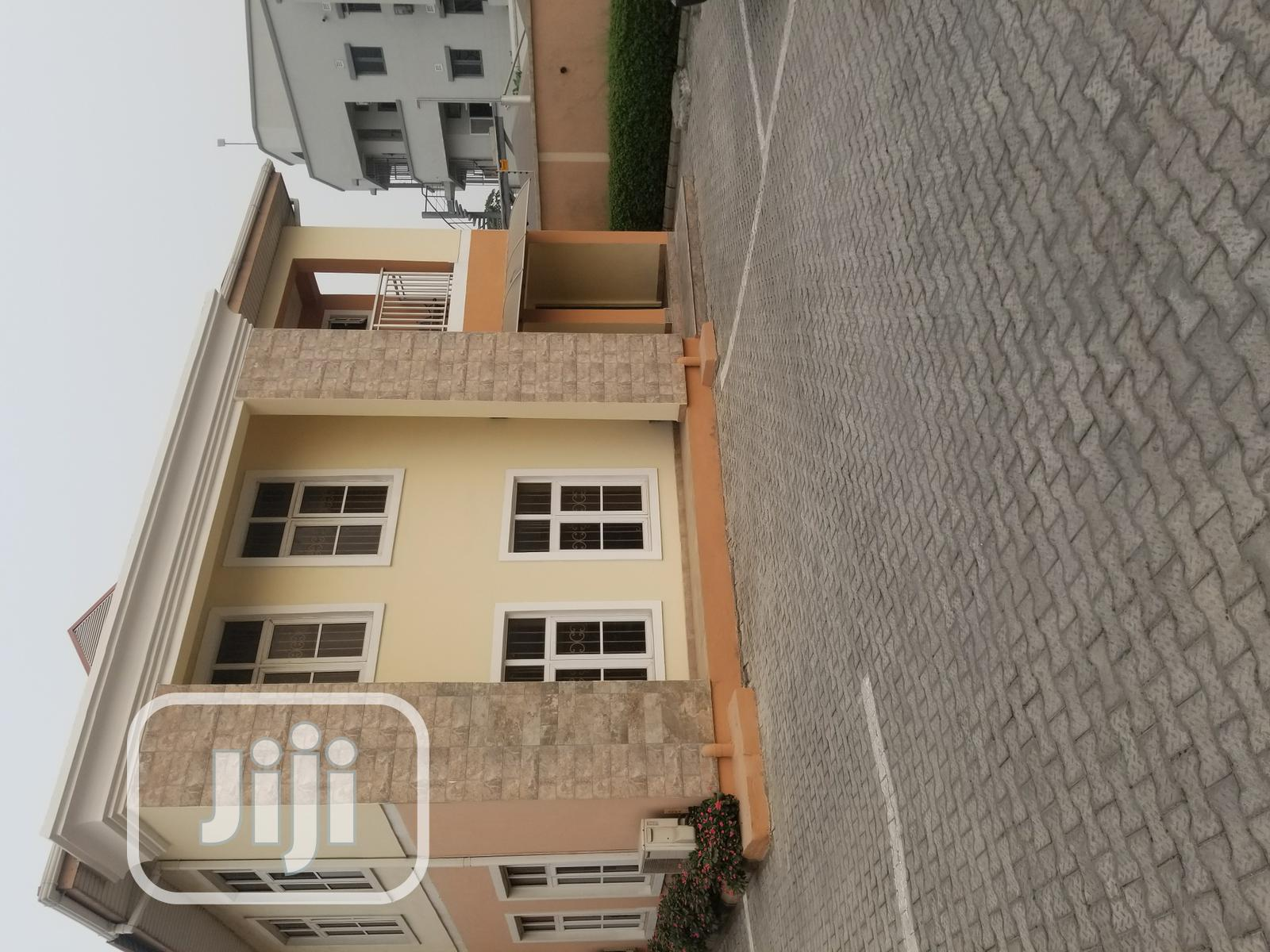 To Let: 2units Vacant 3bedrm Flats In A Compound @ Elf Direct Brief | Houses & Apartments For Rent for sale in Lekki, Lagos State, Nigeria