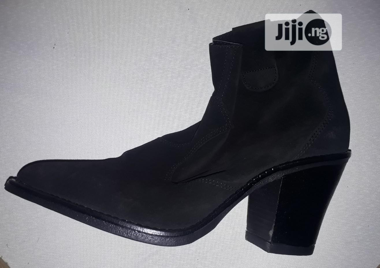 Ankle Ladies Shoes