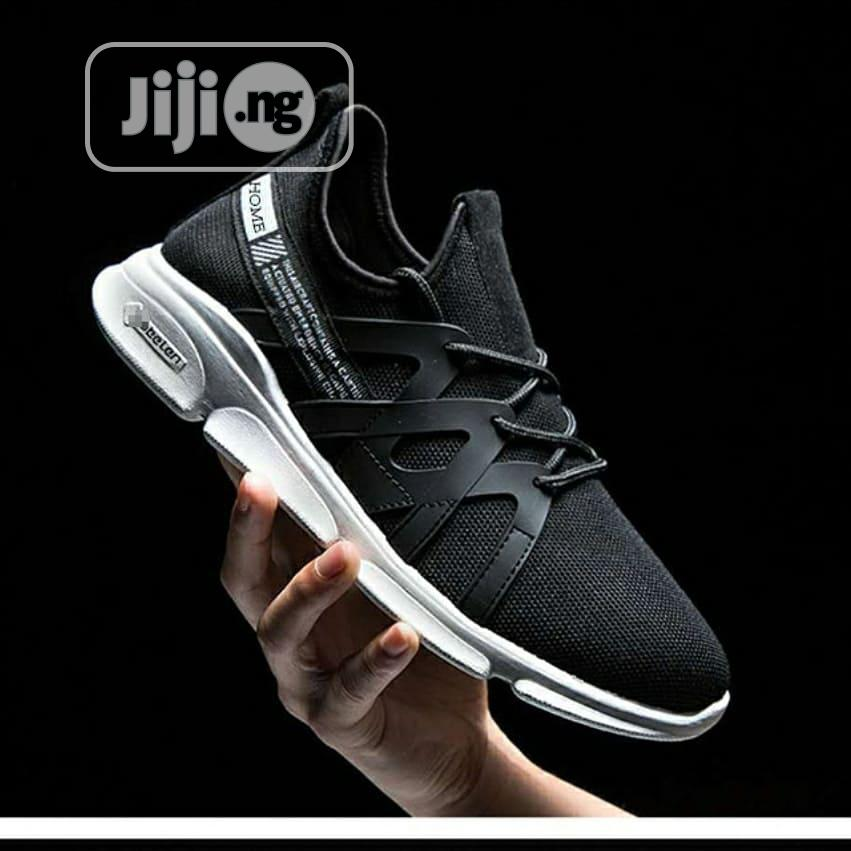 Smart Fashion Breathable Men Sneakers/Canvas - Black | Shoes for sale in Magodo, Lagos State, Nigeria
