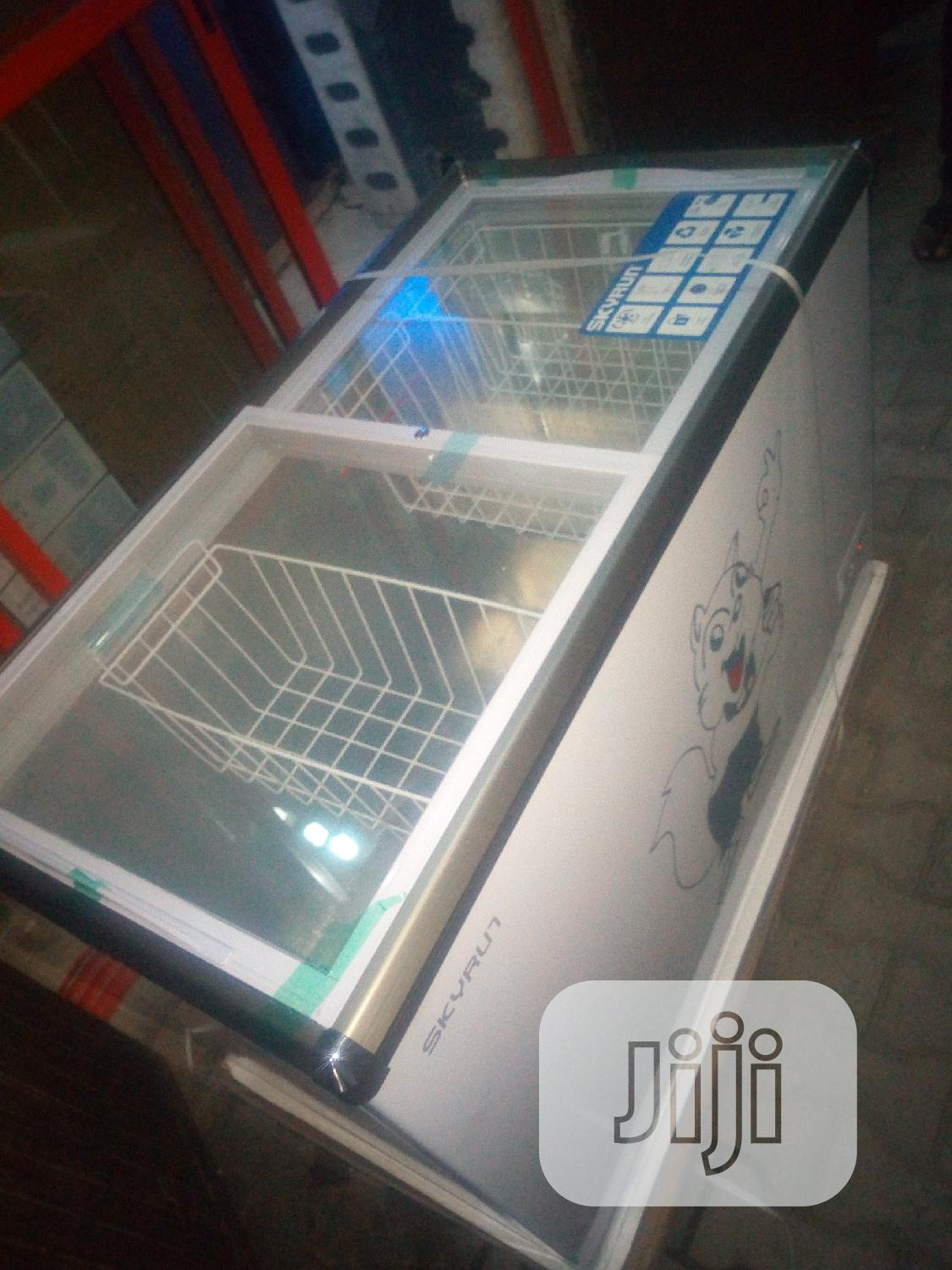 Skyrun Deep Showcase Chiller With 2yrs Warranty.