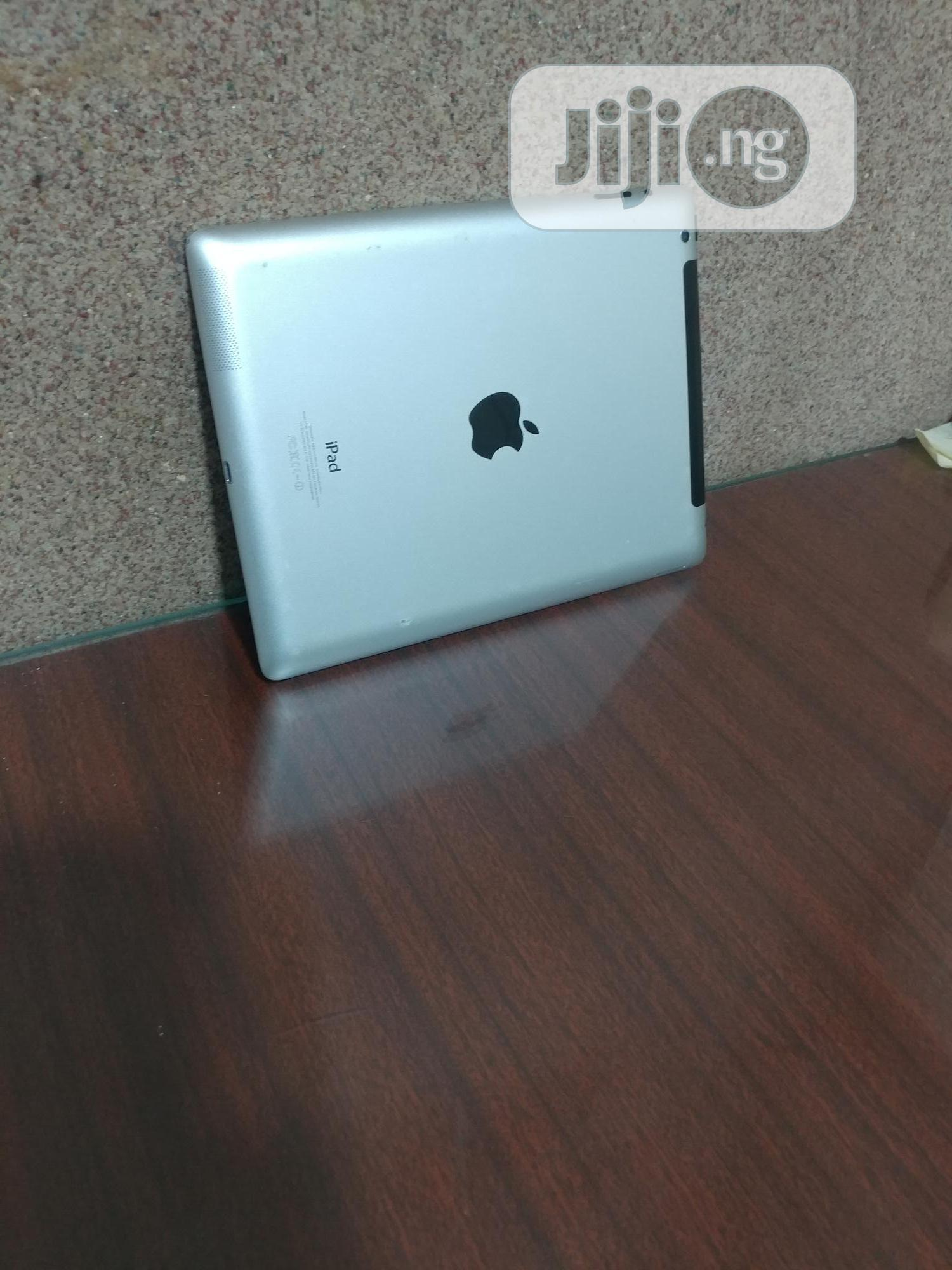 Archive: Apple iPad 4 Wi-Fi 32 GB Gray