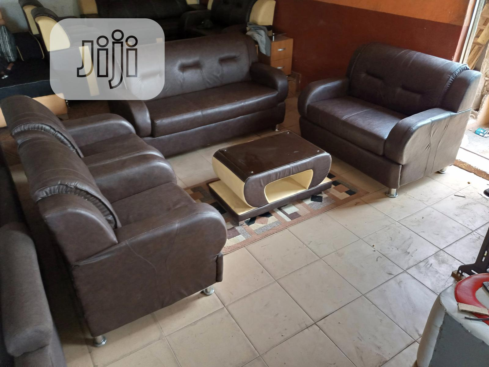 Archive: Classic Set of 7seaters Sofa Chairs With Centre Table.