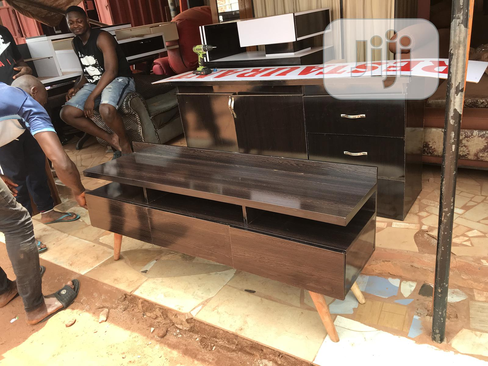 5ft Accent Tv Stand