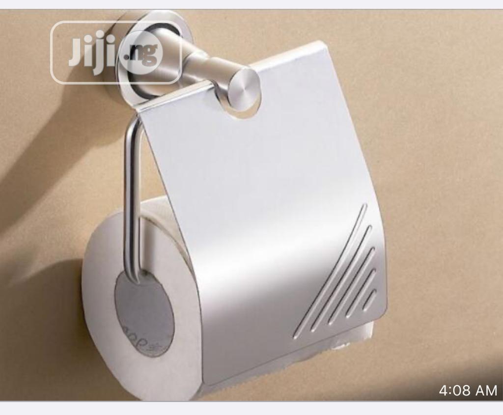 Anti Rust Toilet Tissue Holder