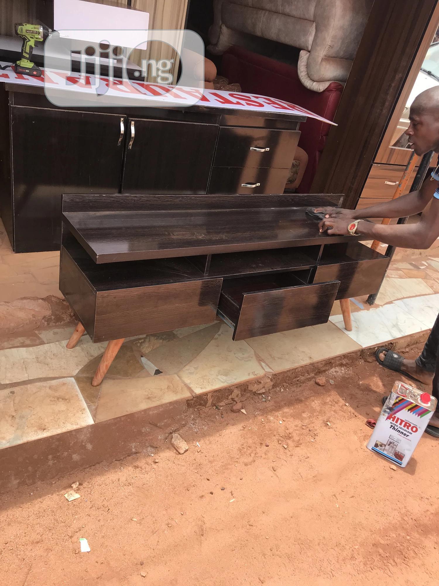 5ft Accent Tv Stand | Furniture for sale in Enugu, Enugu State, Nigeria