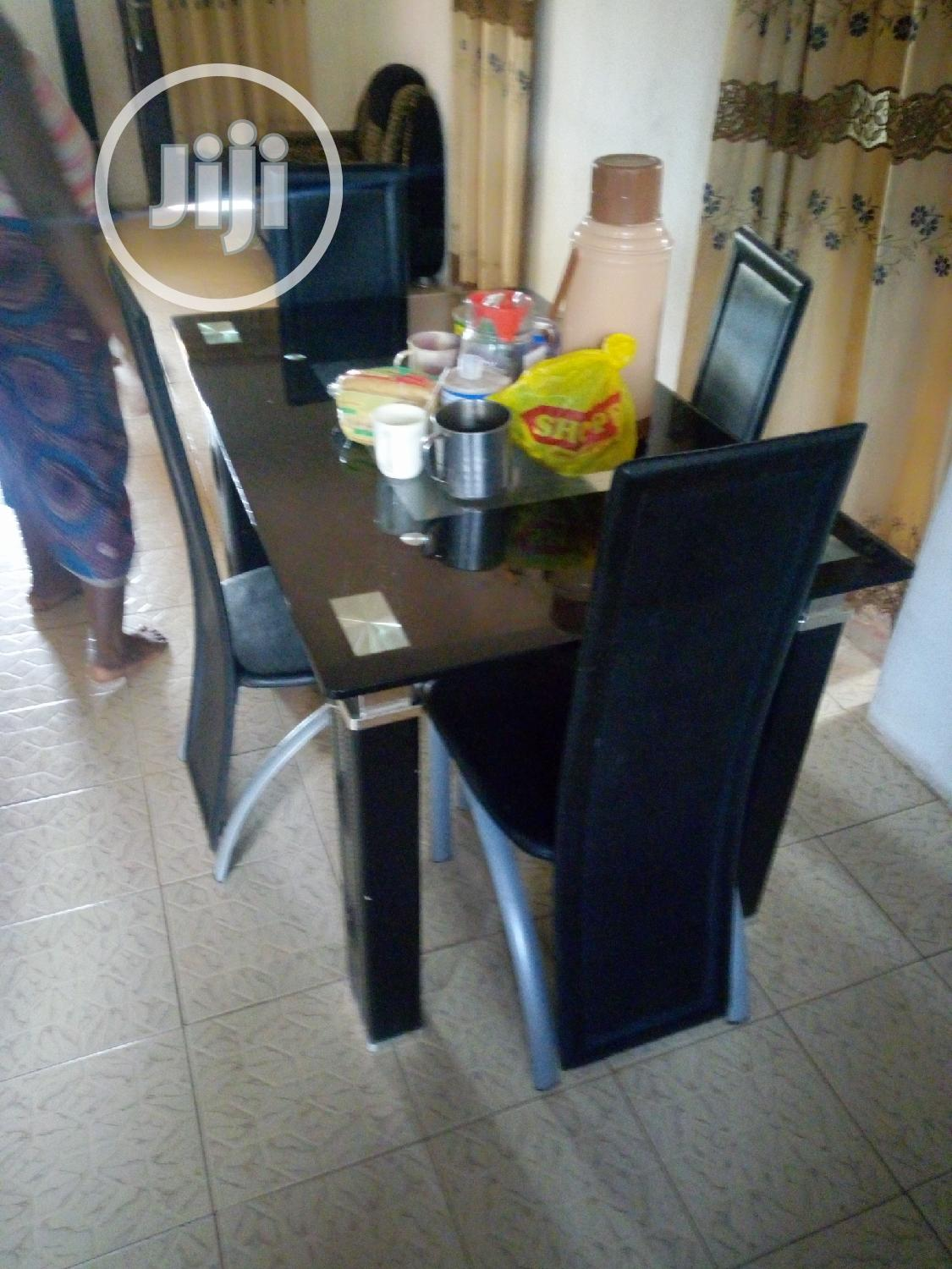 4 Chair And A Table