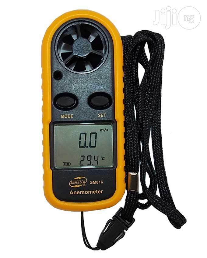 Digital LCD Smart Anemometer For Wind Speed & Temperature Gauge