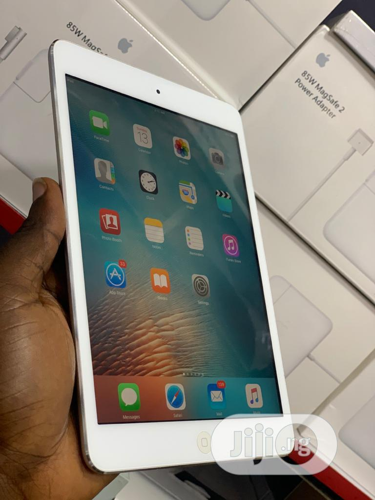Apple iPad Mini Wi-Fi 16 GB Silver