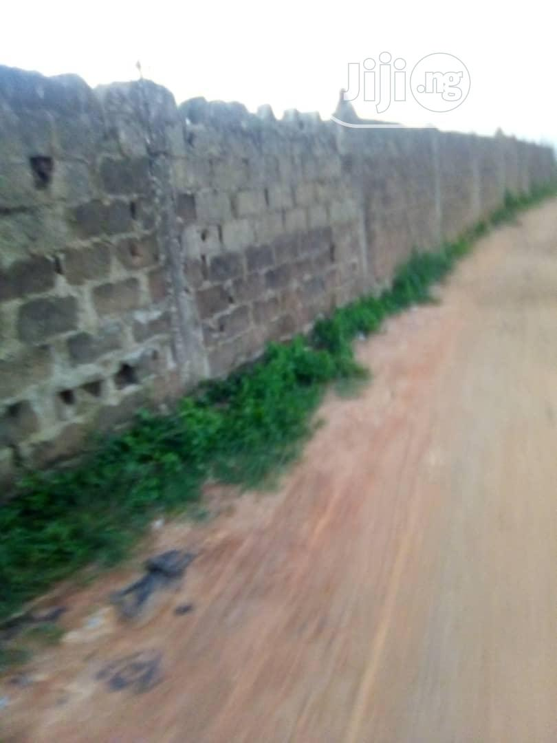 Commercial Land for Sale With a Mini Bungalow Along Lagos Ibadan Exp. | Land & Plots For Sale for sale in Sagamu, Ogun State, Nigeria
