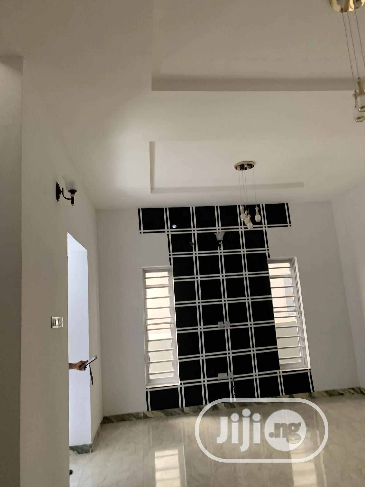 Distress 4bedroom Fully Detached Duplex For Sale In Ikota Lekki | Houses & Apartments For Sale for sale in Lekki Phase 1, Lagos State, Nigeria