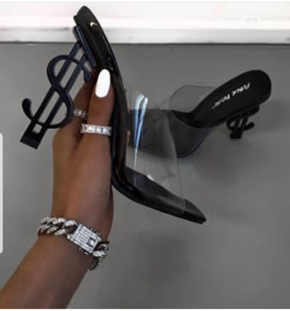 High Quality Slippers For Ladies/Women Available In Different Sizes