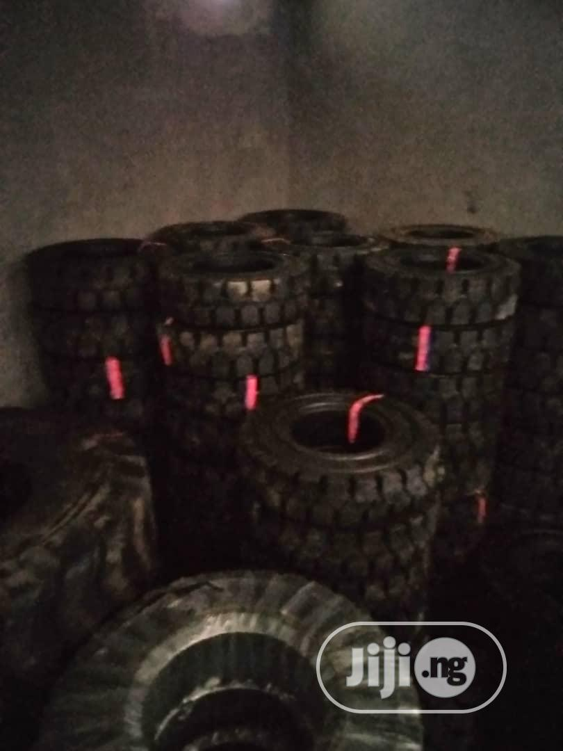 Motor Tyres Premium | Vehicle Parts & Accessories for sale in Lagos Island, Lagos State, Nigeria