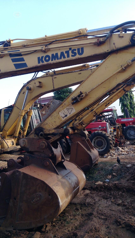 Komatsu Excavator PC210LC