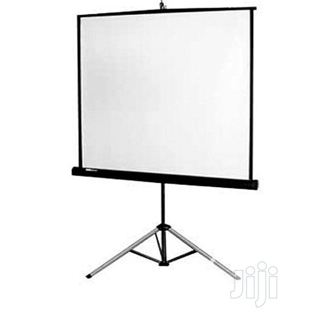 Projector Screen 72'' X 72'' Tripod