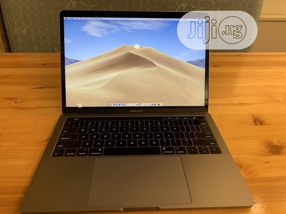 Laptop Apple MacBook Pro 8GB Intel Core I5 SSD 512GB