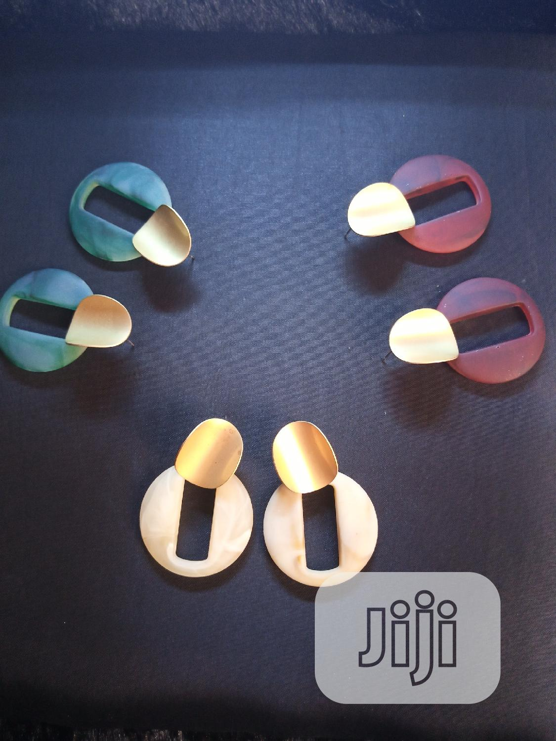 Quality Coated Gold And. Plastic Earring