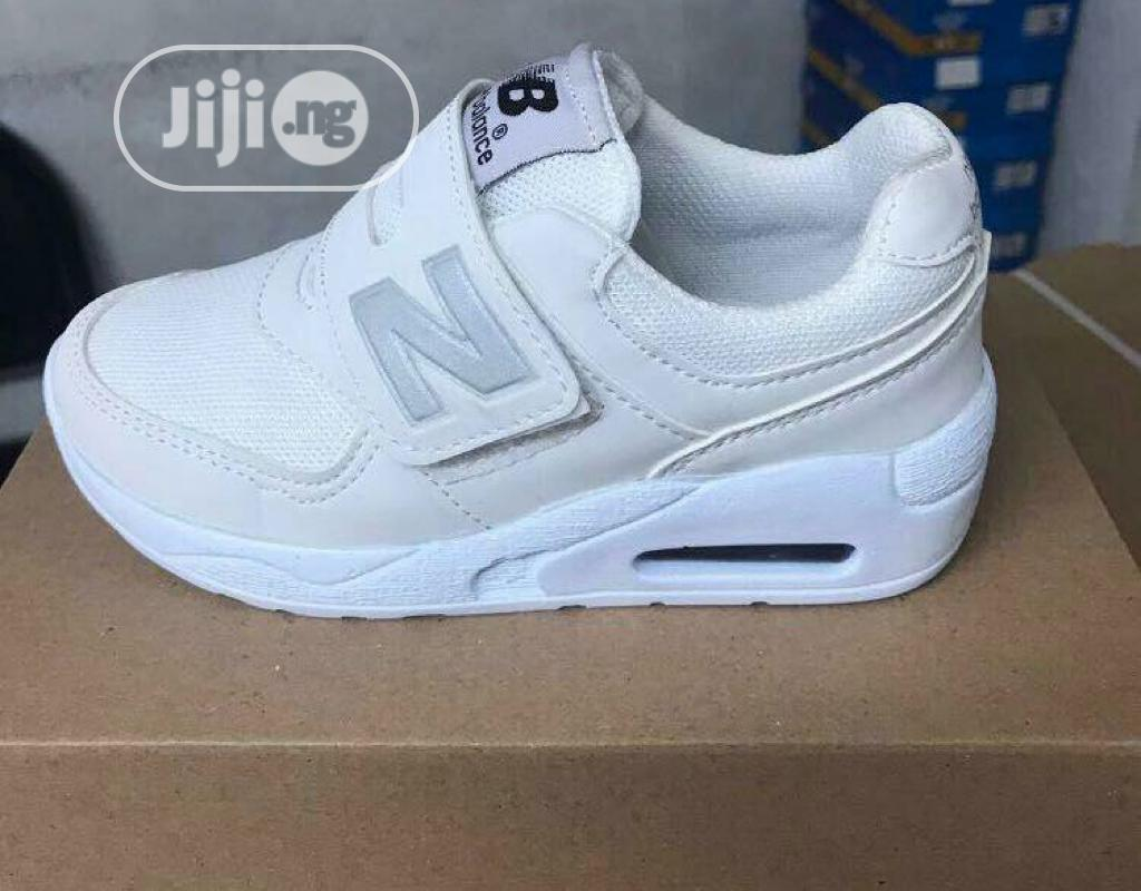 New Balance Unisex Sneakers for Kids