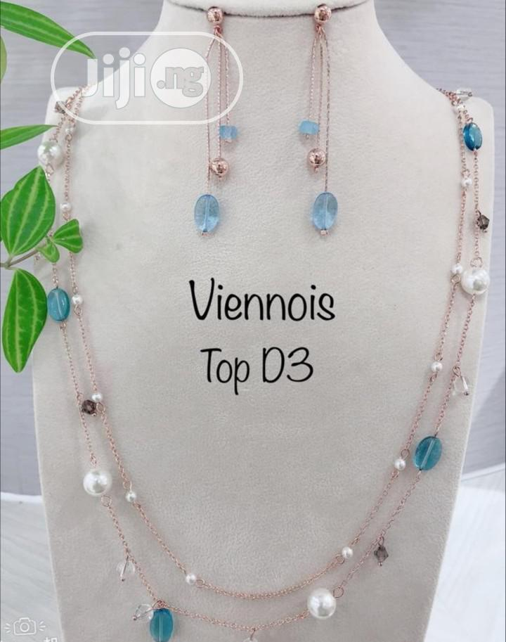 Archive: Viennois Jewellery Set