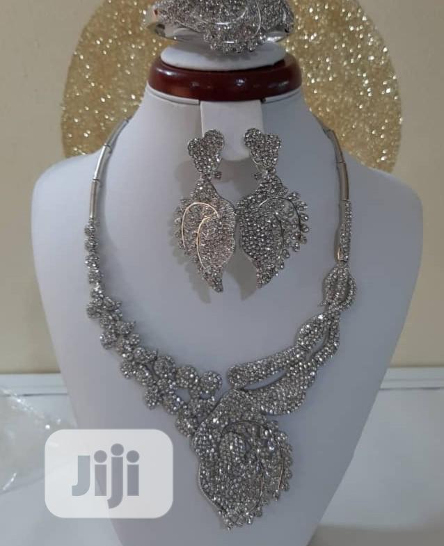 Archive: Viennois Jewellery Set