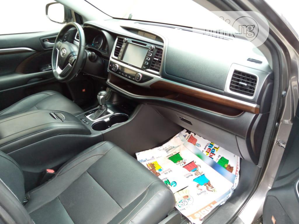 Toyota Highlander 2015 Black | Cars for sale in Surulere, Lagos State, Nigeria