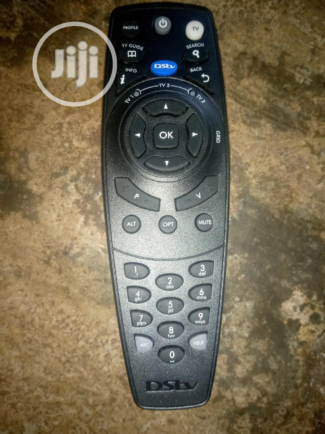 Dstv Hd Remote Control + Battery | Accessories & Supplies for Electronics for sale in Ibeju, Lagos State, Nigeria