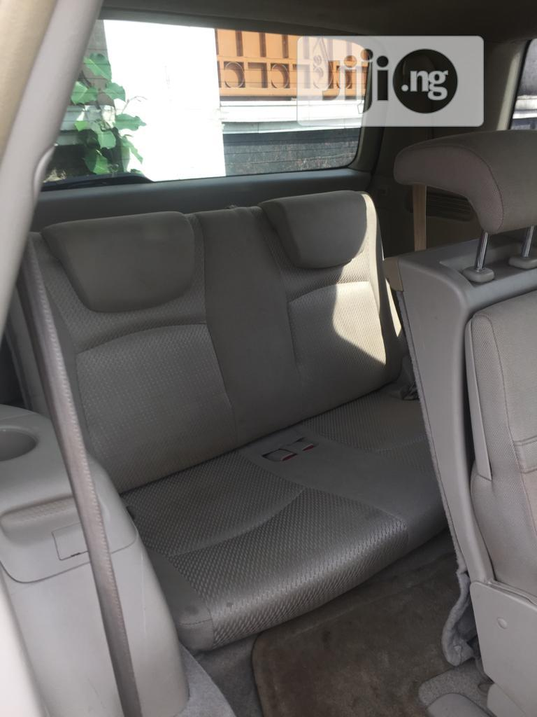 Toyota Highlander Limited V6 4x4 2004 Gold   Cars for sale in Magodo, Lagos State, Nigeria