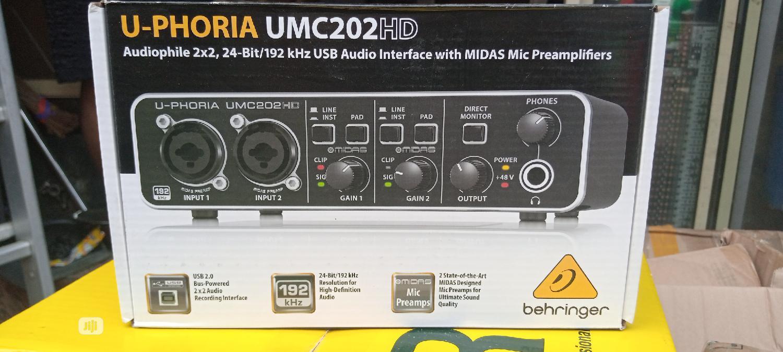 Behringer U-phoria Umc202