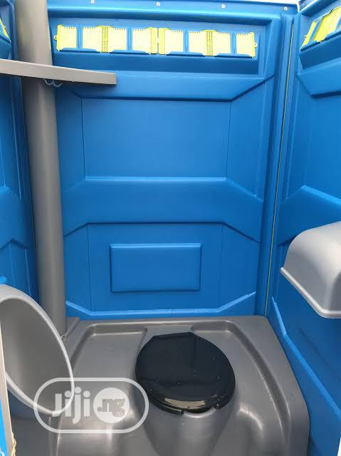 Gift Mobile Toilets