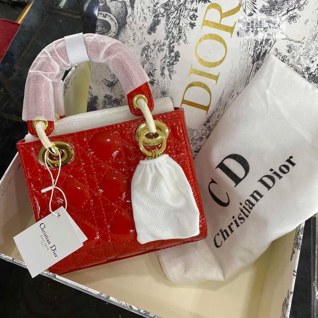 Christian Dior Designer Hand Bag | Bags for sale in Magodo, Lagos State, Nigeria