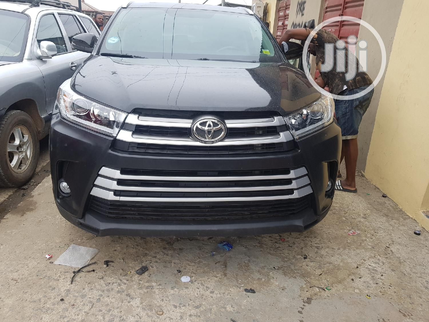 Upgrade Your Toyota Highlander 2014 To 2019 Model | Vehicle Parts & Accessories for sale in Mushin, Lagos State, Nigeria