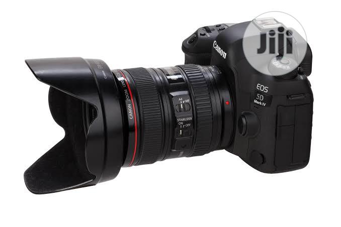 Canon 5D Mark IV With 24-105 Lens Kit