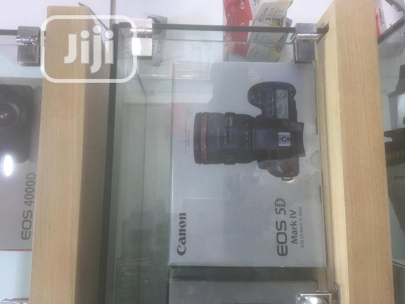 Canon 5D Mark IV With 24-105 Lens Kit   Photo & Video Cameras for sale in Wuse 2, Abuja (FCT) State, Nigeria