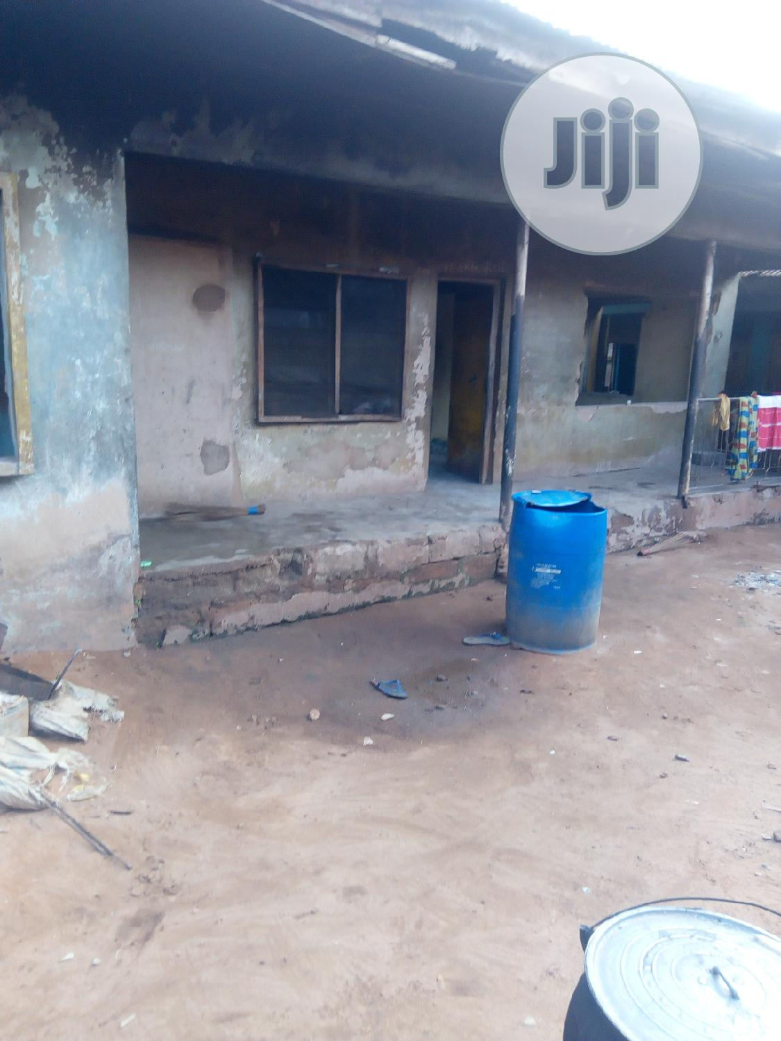 Old Bungalow In A Plot And | Houses & Apartments For Sale for sale in Awka, Anambra State, Nigeria