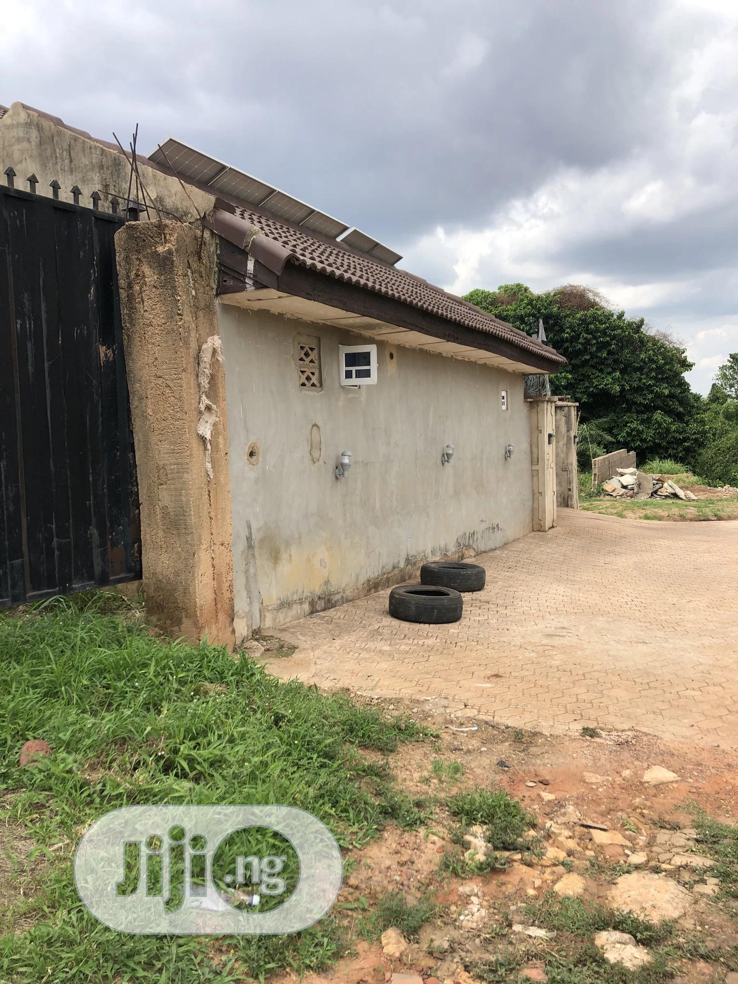 Standard Plot Of Land Fenced & Gated At Golf Estate Close To Major Road | Land & Plots For Sale for sale in Enugu, Enugu State, Nigeria