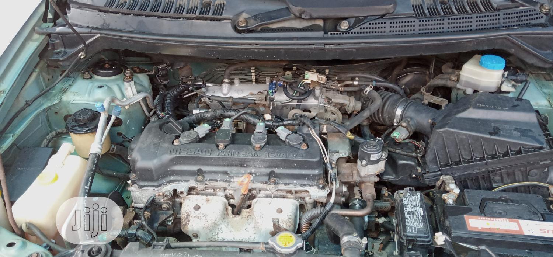 Archive: Nissan Almera Tino 2004 Green