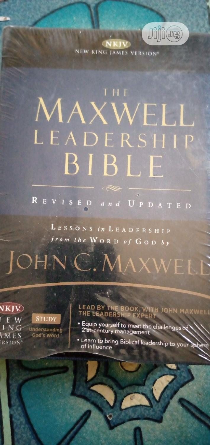Archive: The Maxwell Leadership Bible