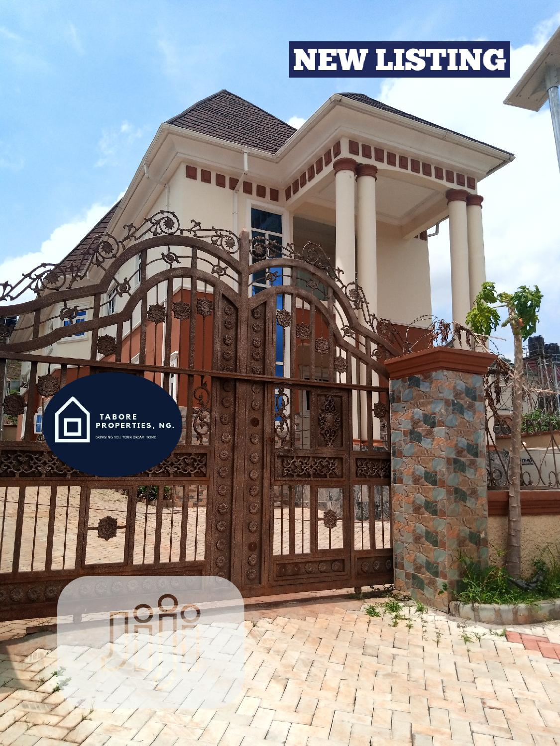 6 Bedroom Fully Detached Duplex For Sale
