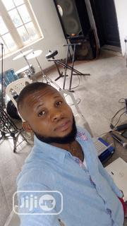 Social Media Manager/Graphics Designer   Computing & IT CVs for sale in Lagos State, Agboyi/Ketu