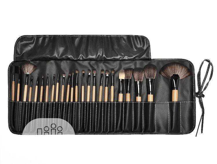 Archive: Make-up Brush