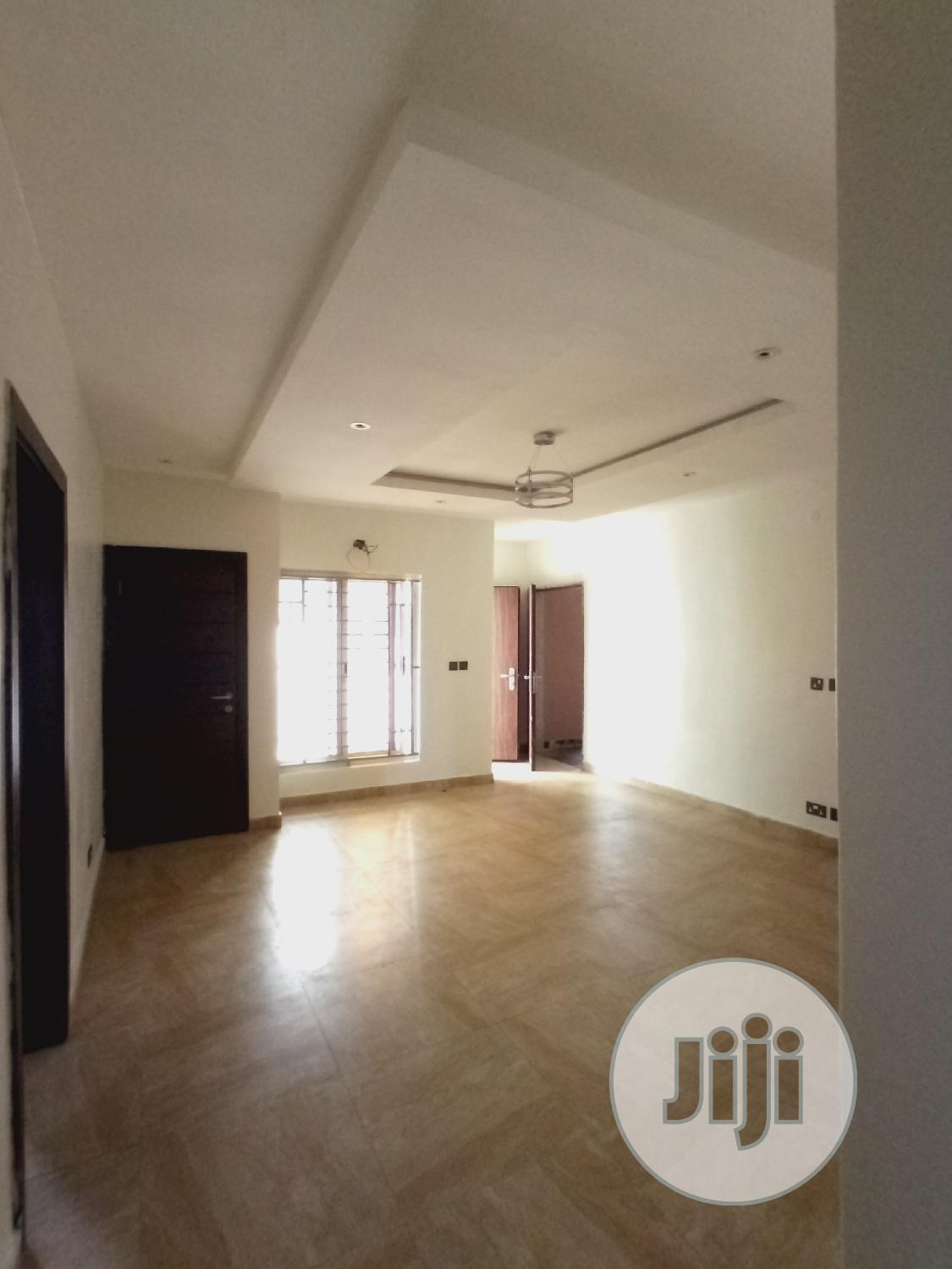 2bedroom Flat For Sale | Houses & Apartments For Sale for sale in Lekki Phase 1, Lagos State, Nigeria