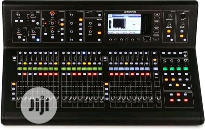 Midas M32live Mixer