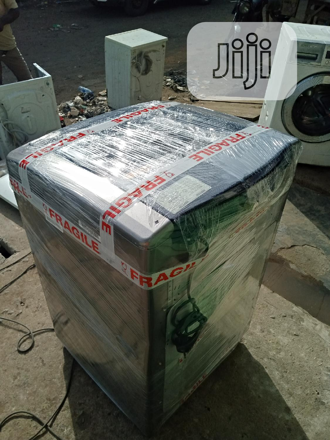 15kg LG Top Loader Washing and Spin Machine With One Year Warranty