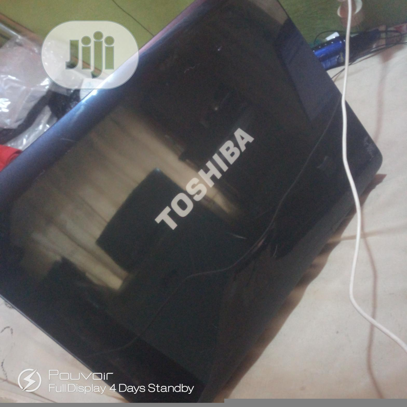Archive: Laptop Toshiba Satellite A350 3GB Intel Core 2 Duo HDD 160GB