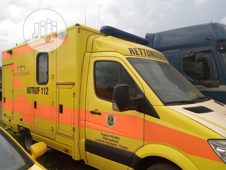 Ambulance Mercedes Benz Bus