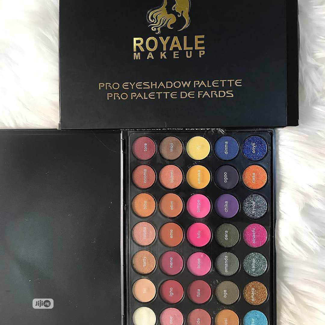 Royale Makeup Eyeshadow Palette -Multi-Colored