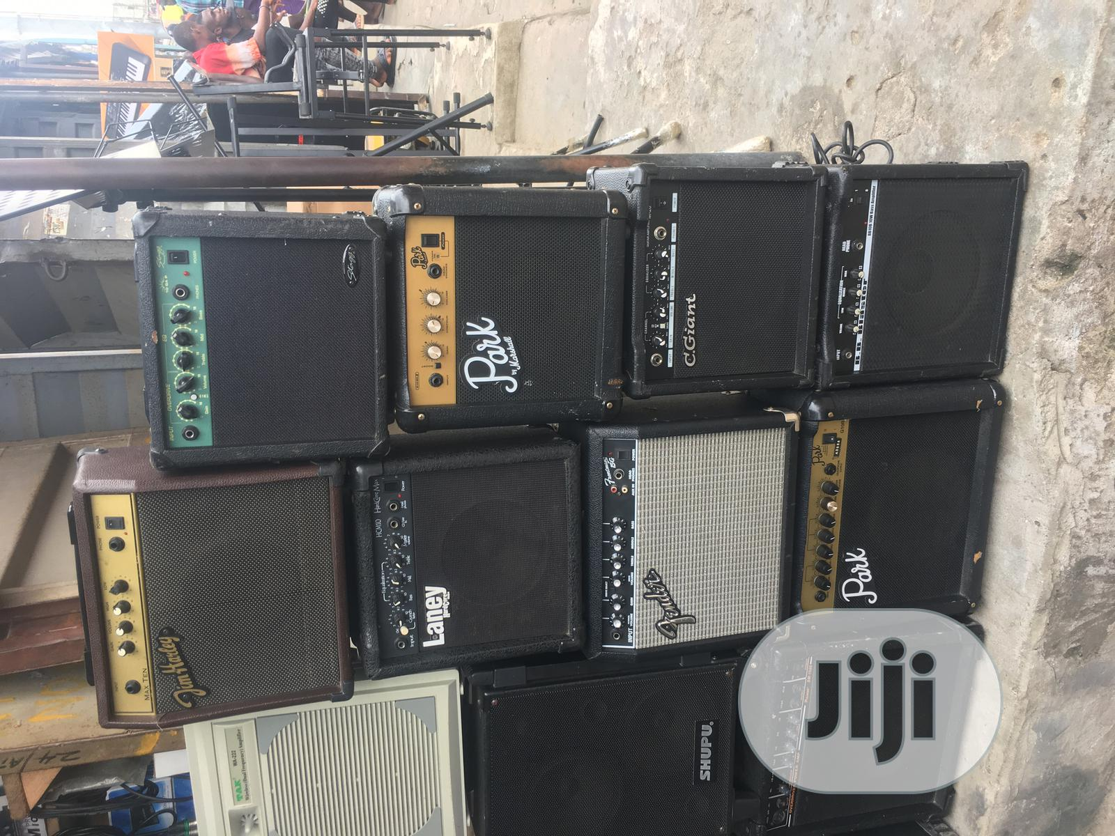 Bass and Lead Guitar Combo/Amplifier