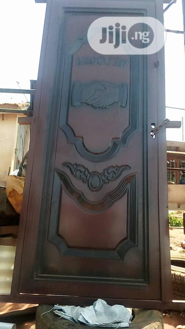 Window Burglary Proofs Constructions With Metal Steel Iron Materials.   Windows for sale in Ikorodu, Lagos State, Nigeria
