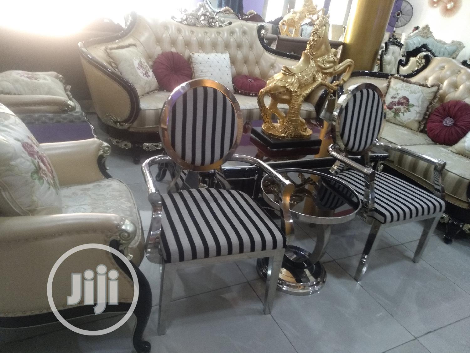 Console Me and U Chair