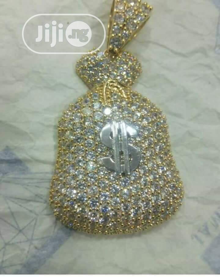 Pure 750 Italian 18karat Money Bag Pendant Is Available