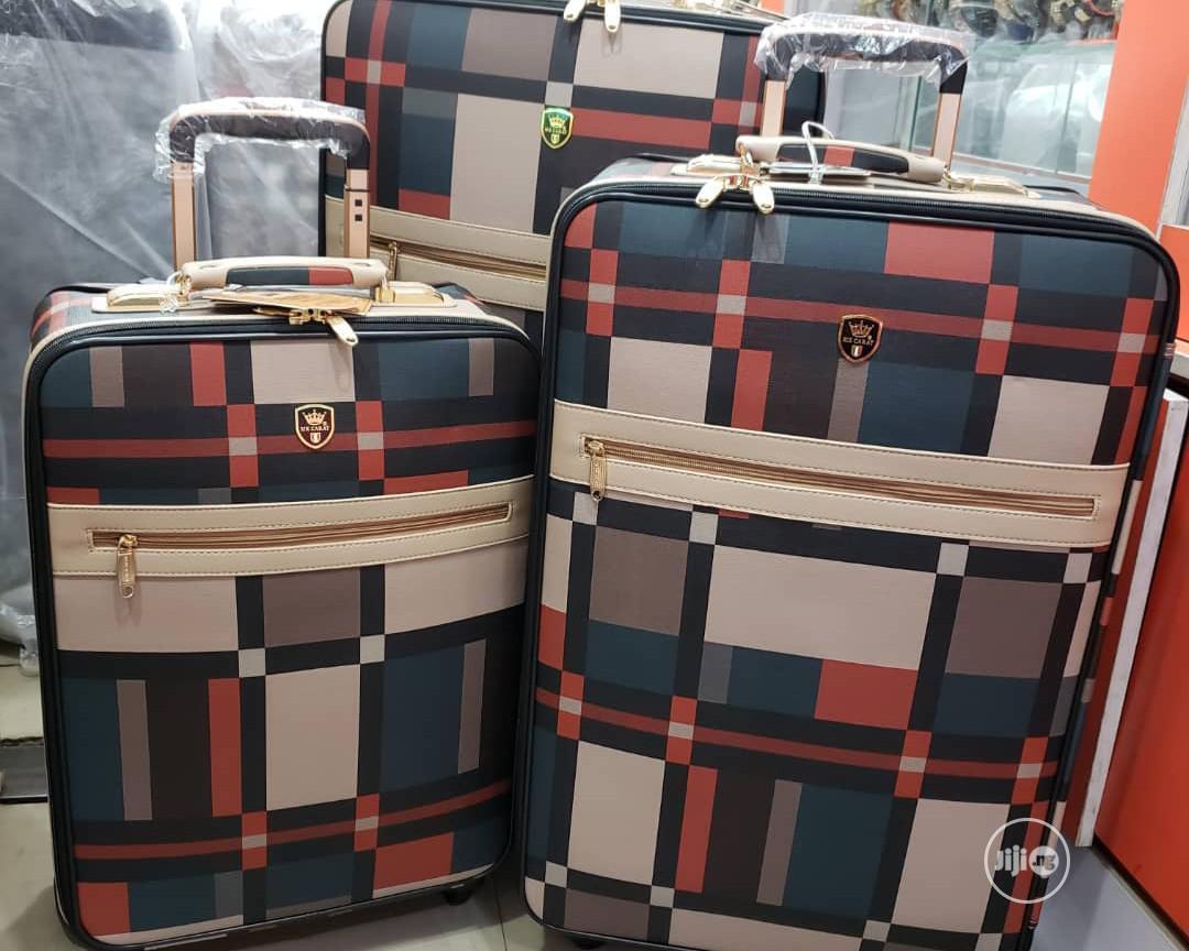 Buberry Luggage Box